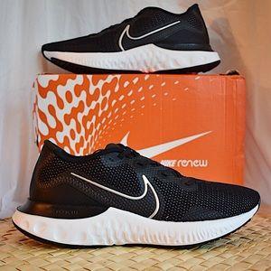 NEW Nike Renew Run (Black/White)